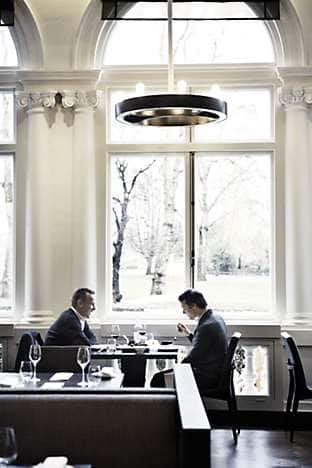 Diners enjoy views over Hyde Park
