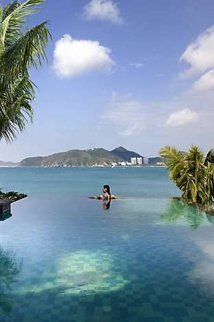An infinity pool at Mandarin Oriental, Sanya