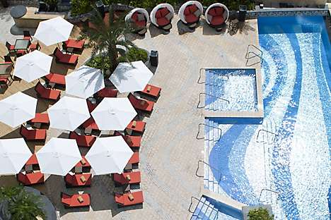 The 25-metre pool at Mandarin Oriental, Macau