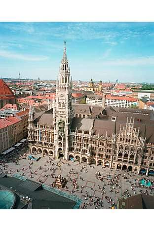 The New Town Hall and its 85m tower mark the city centre on Marienplatz