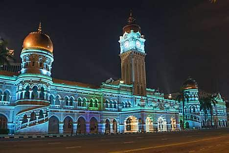 KL'slandmark Sultan Abdul Samad Building with illuminations