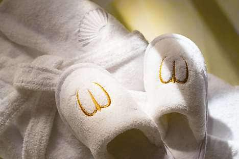 Mandarin Oriental, Paris's children's slippers and bathrobe