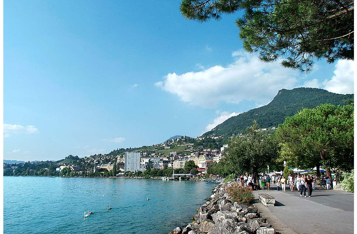 The lakefront promenade, Montreux