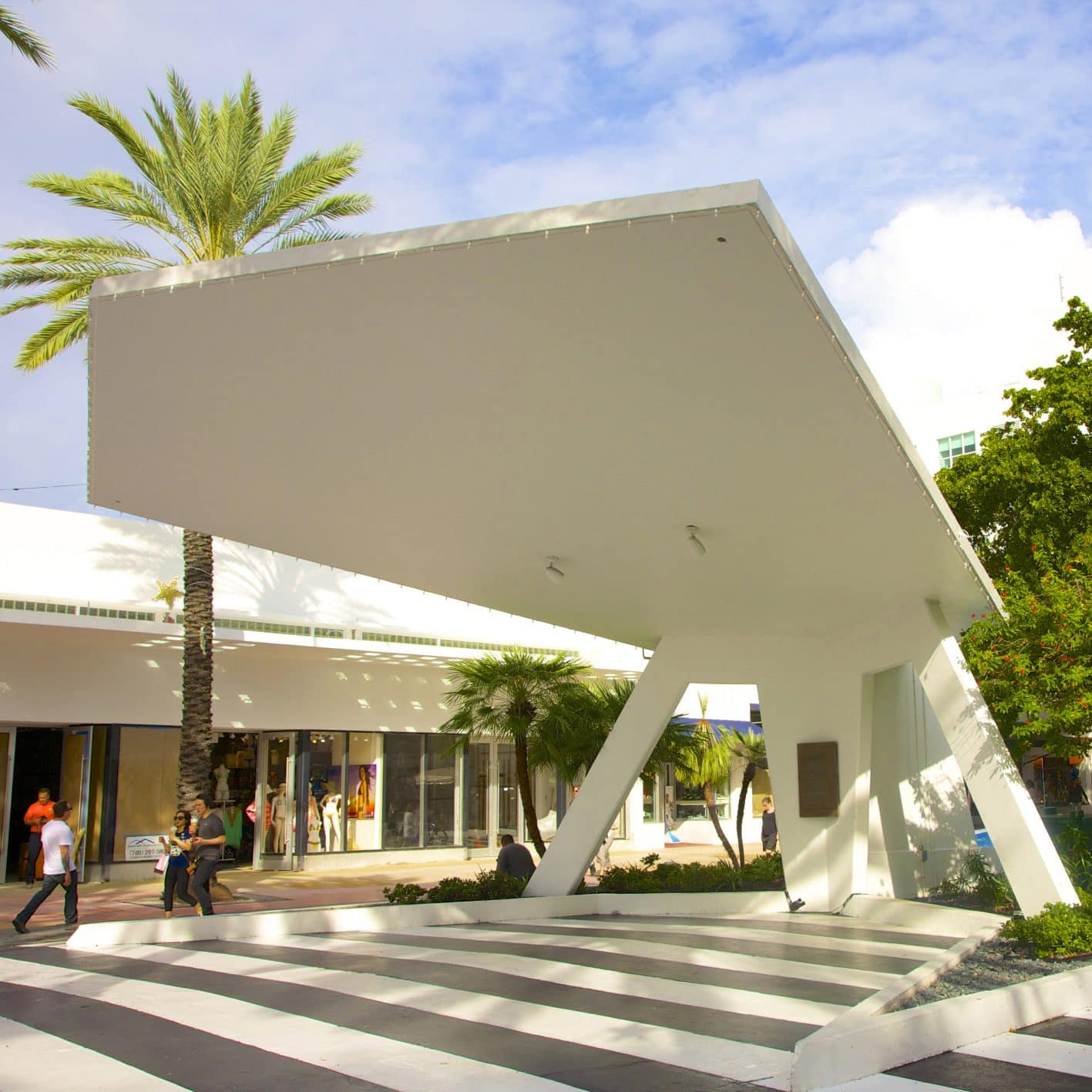 Miami Beach architecture in shopping area Lincoln Road