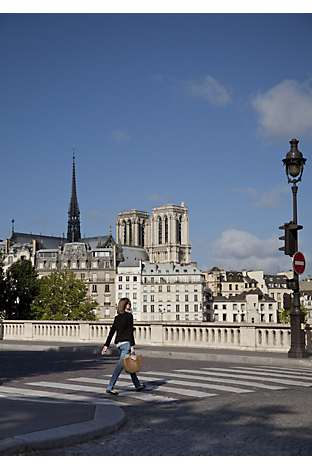 Pont Louis-Philippe and views of Notre Dame