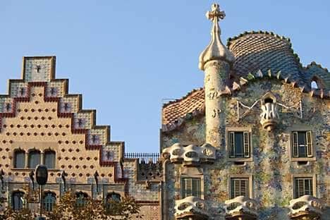 The façade of Gaudí's Casa Batlló on the Passeig de Gràcia