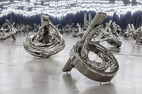 Sculpture at Galerie Perrotin