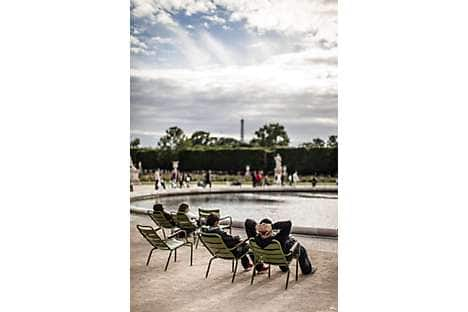 Relax in Tuileries Garden