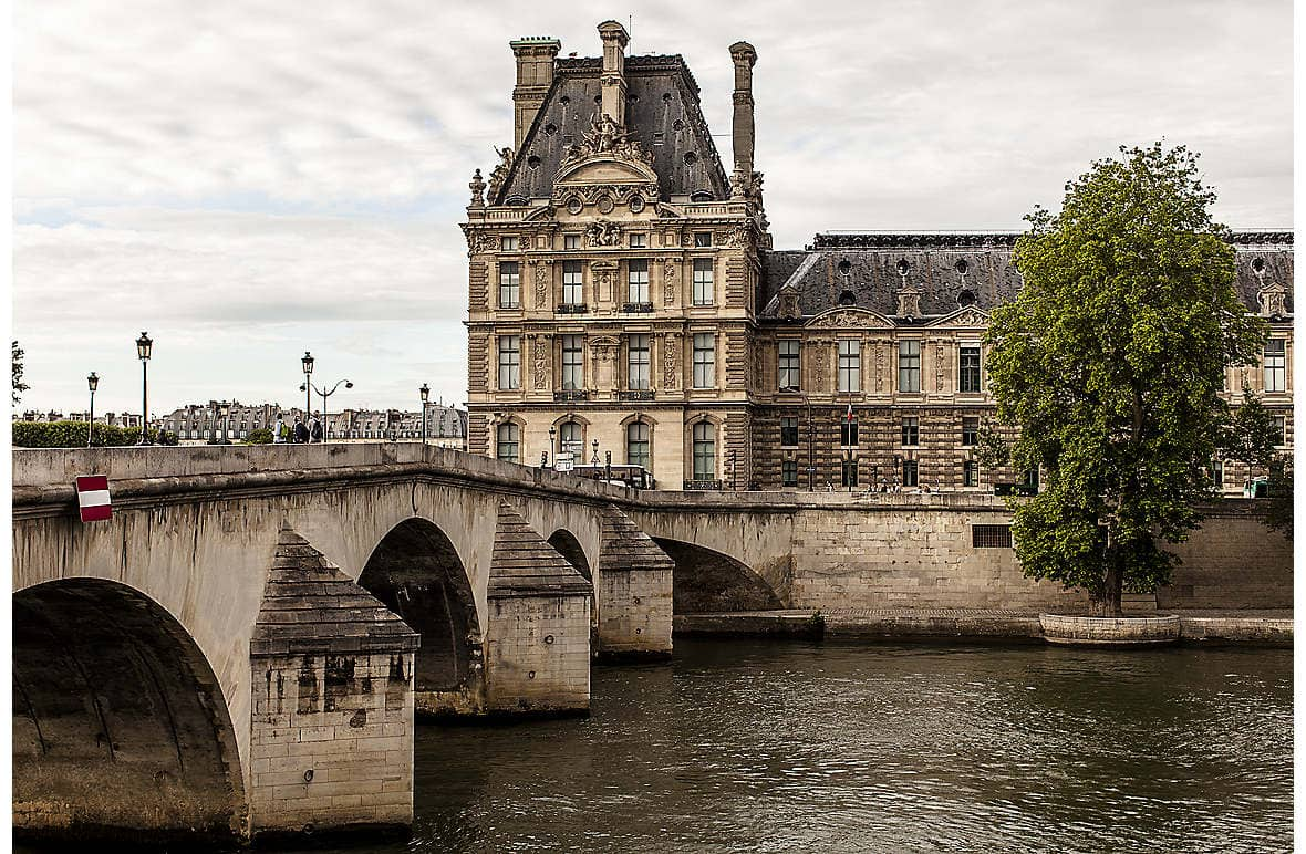 The Pont Royal and the elegant Ecole du Louvre