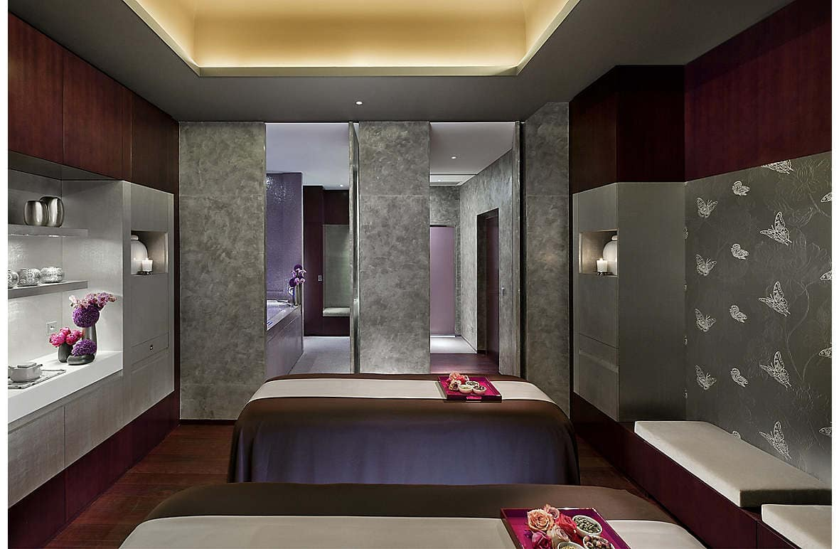 tranquility at parisian spa destination mo by mandarin oriental. Black Bedroom Furniture Sets. Home Design Ideas