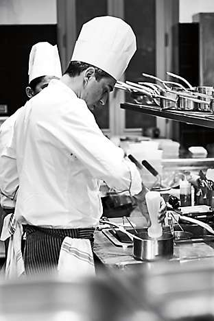 Chef DellOmarino in Setas kitchen