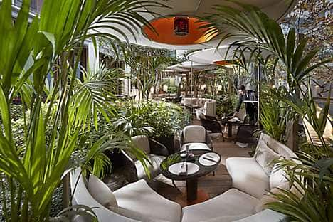The outdoor area adjoining Bar 8 at Mandarin Oriental, Paris