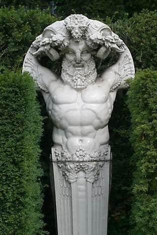 Sculpture in the botanical Jardin des Plantes