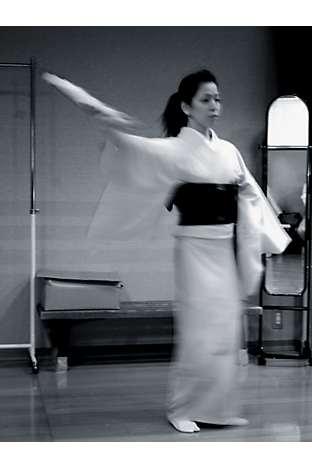 Tsubaki at her dance lesson