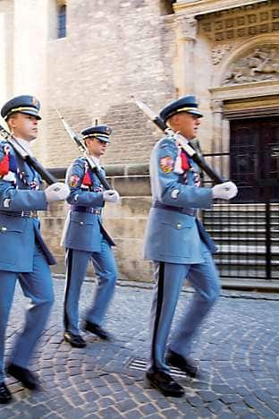 Guards march at Prague Castle