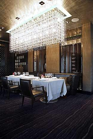A modern chandelier lights up Pierre at Mandarin Oriental, Hong Kong