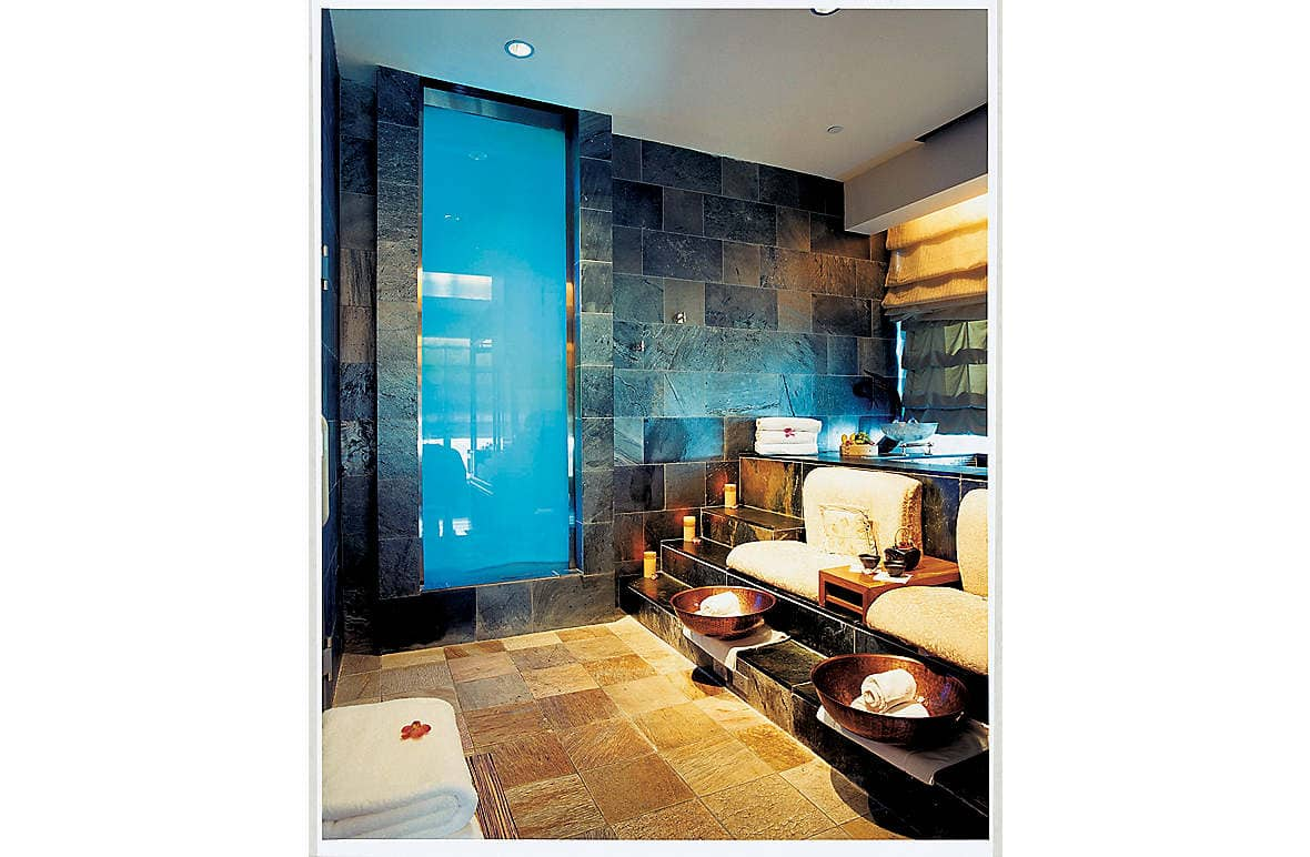 VIP Spa Suite with private steam room
