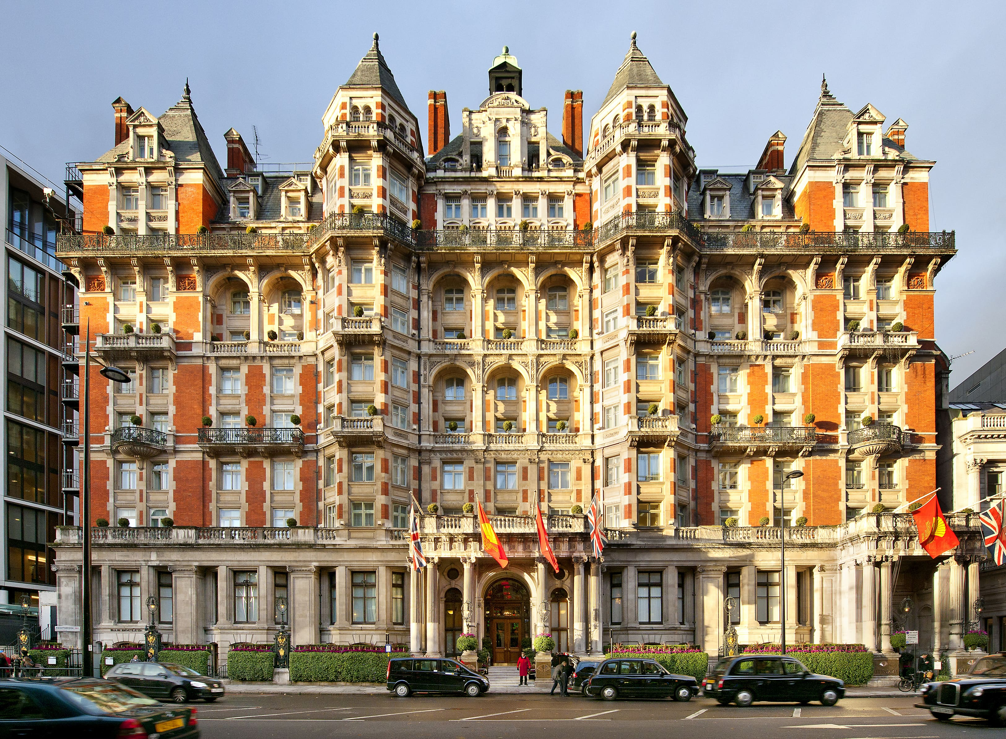 London hotel photo gallery mandarin oriental hyde park hotel for Best modern hotels in london
