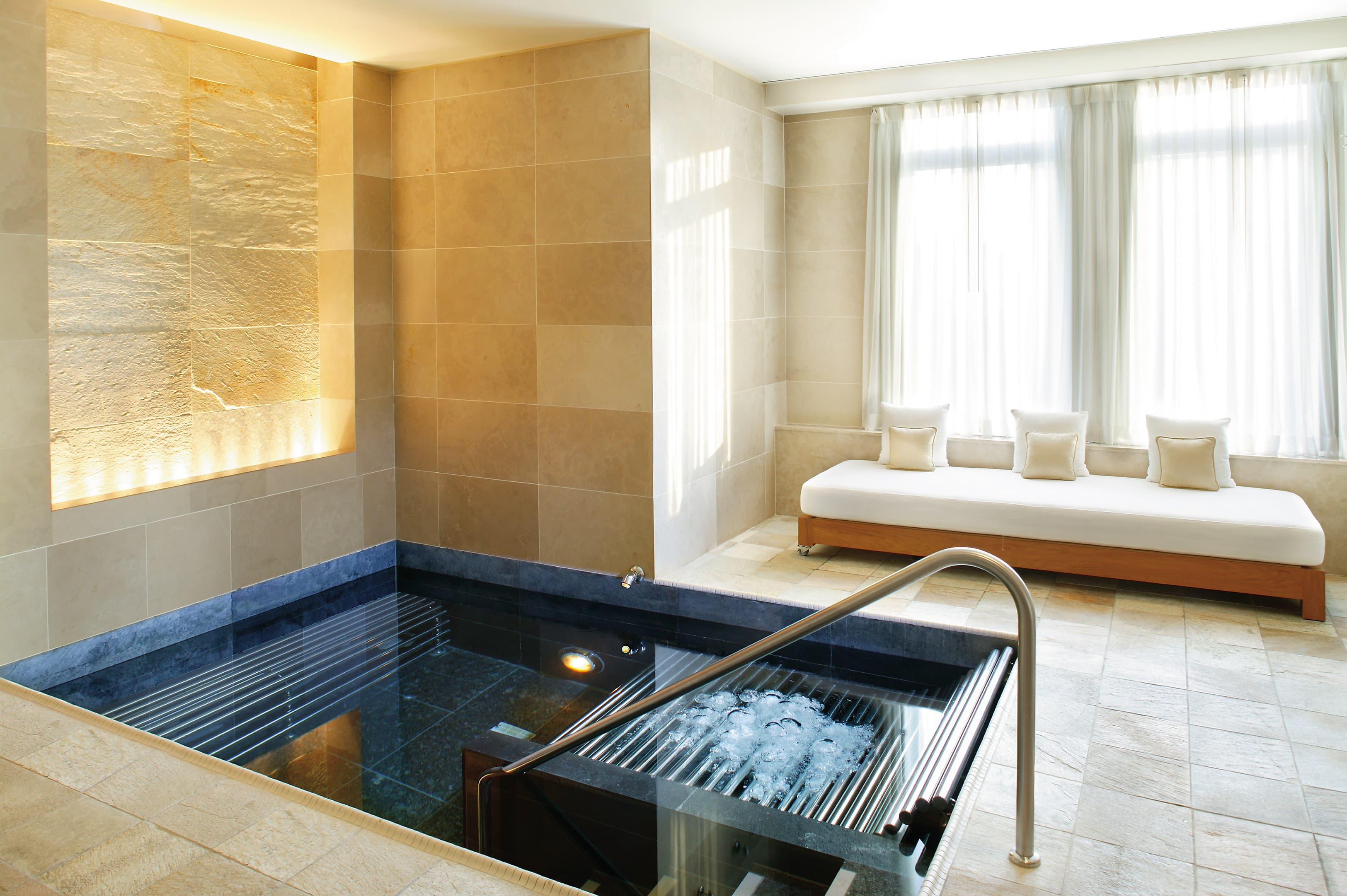 Home Spa Design Ideas: New York Hotel Photo Gallery