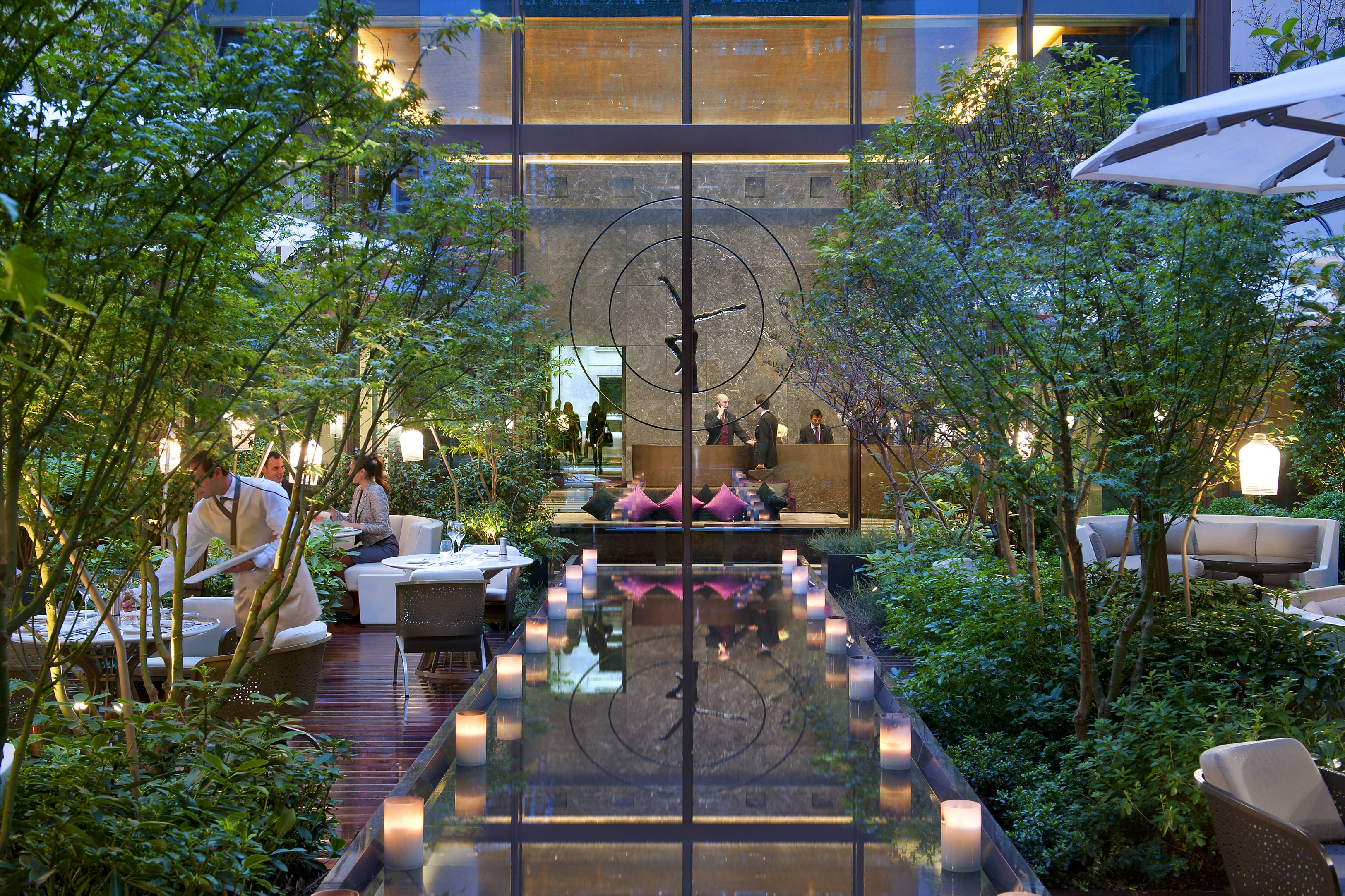 5 star hotel photo gallery mandarin oriental paris for Architecture jardin