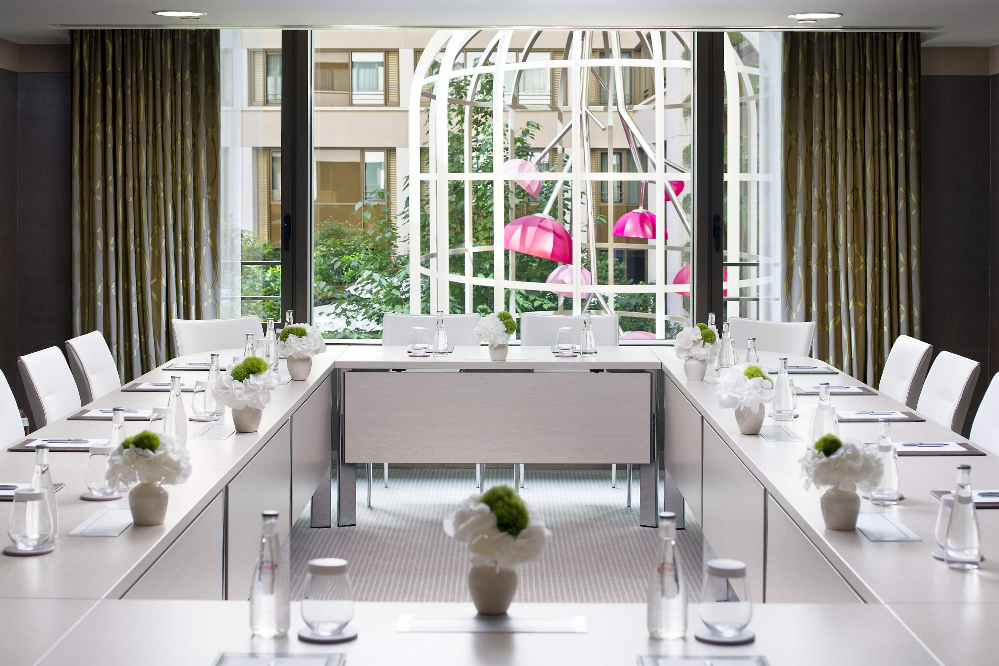 fotogalerie des hotels in paris mandarin oriental hotel paris. Black Bedroom Furniture Sets. Home Design Ideas