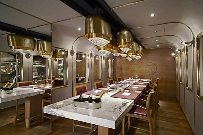 Krug room mandarin oriental hotel hong kong for Dining room hong kong