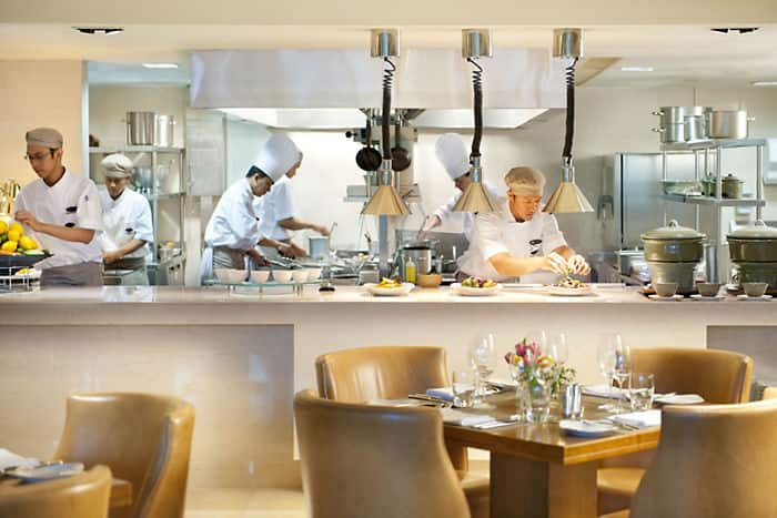 Cinnamon restaurant mandarin oriental hotel jakarta for Authentic chinese cuisine for the contemporary kitchen