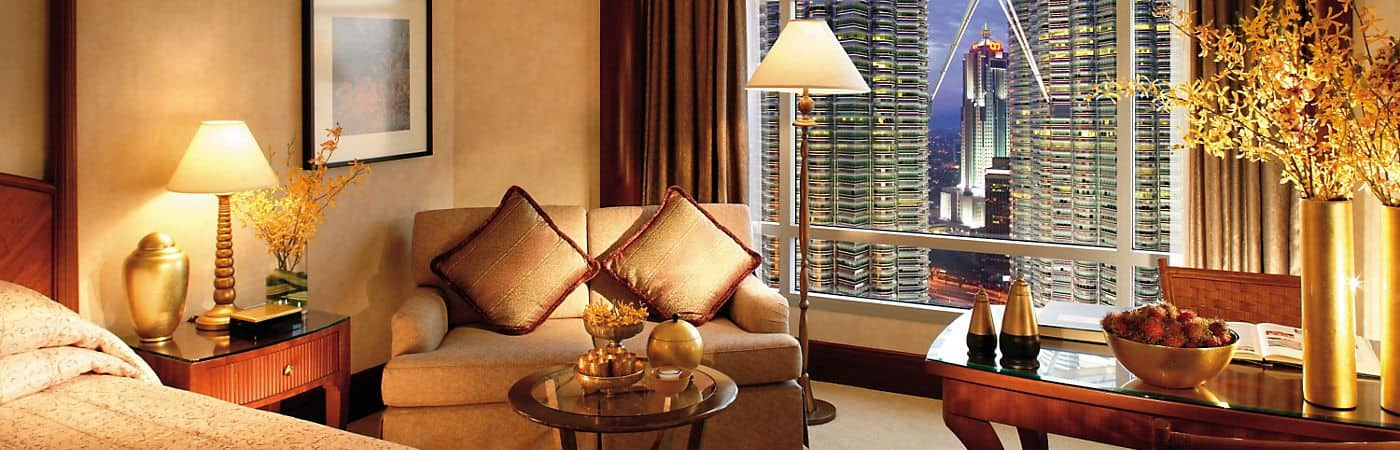 The rooms and suites at the Mandarin Oriental, Kuala Lumpur provide guests with amazing views of Malaysia's capital city and have a tasteful design that strikes the perfect mix between luxury and comfort.