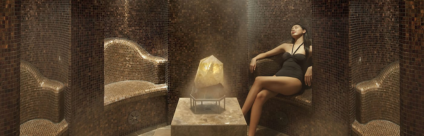 The luxurious spa at The Landmark Mandarin Oriental, Hong Kong offers complete relaxation and serenity in the heart of the city.