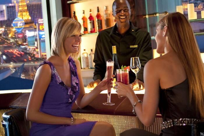 [JEU] Ressemblance avec l'image d'au dessus  - Page 4 Las-vegas-restaurant-mandarin-bar-girls-laughing-2?$DetailBanner$&layer=1&pos=0,-10