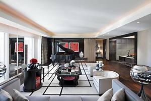 غرفة المعيشة في Emperor Suite