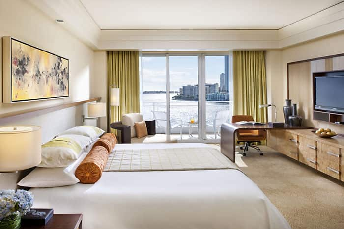 Miami hotel rooms deluxe bay view mandarin oriental miami - Beautifull rooms ...