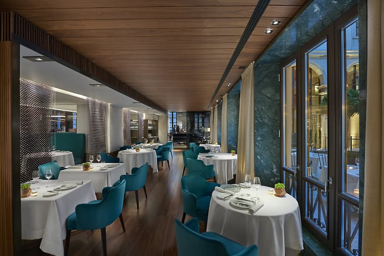 Fine dining restaurant mandarin oriental hotel milan for Mandarin oriental spa milan