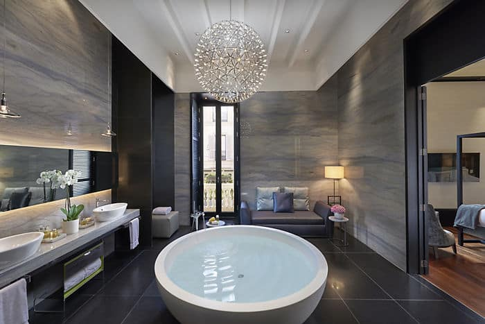 Presidential suite 5 star hotel mandarin oriental milan for 5 star hotel bathroom designs