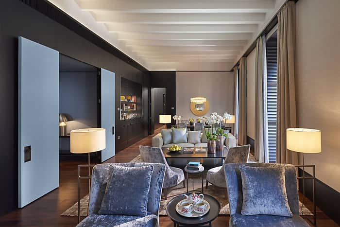 Presidential suite 5 star hotel mandarin oriental milan for 5 star living rooms