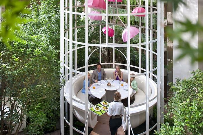 Camelia restaurant mandarin oriental hotel paris for Restaurant au jardin paris