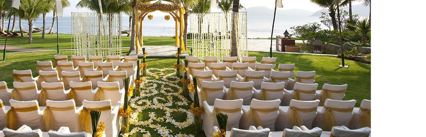 Mandarin Oriental, Sanya is the perfect venue for weddings and events, providing first class service and accommodations.