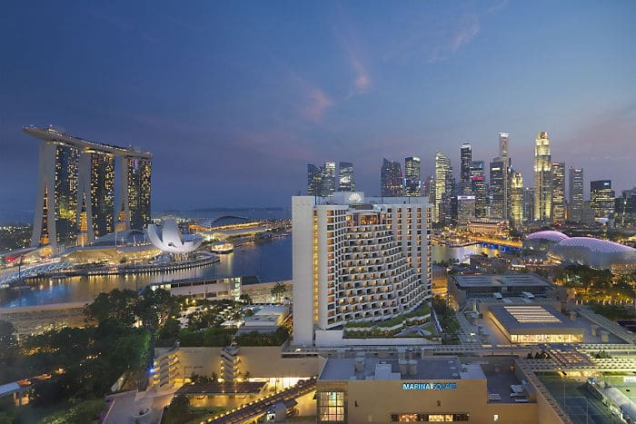 Surrounded by the excitement of Marina Bay, the Mandarin Oriental, Singapore offers a luxurious base for explorations of the area
