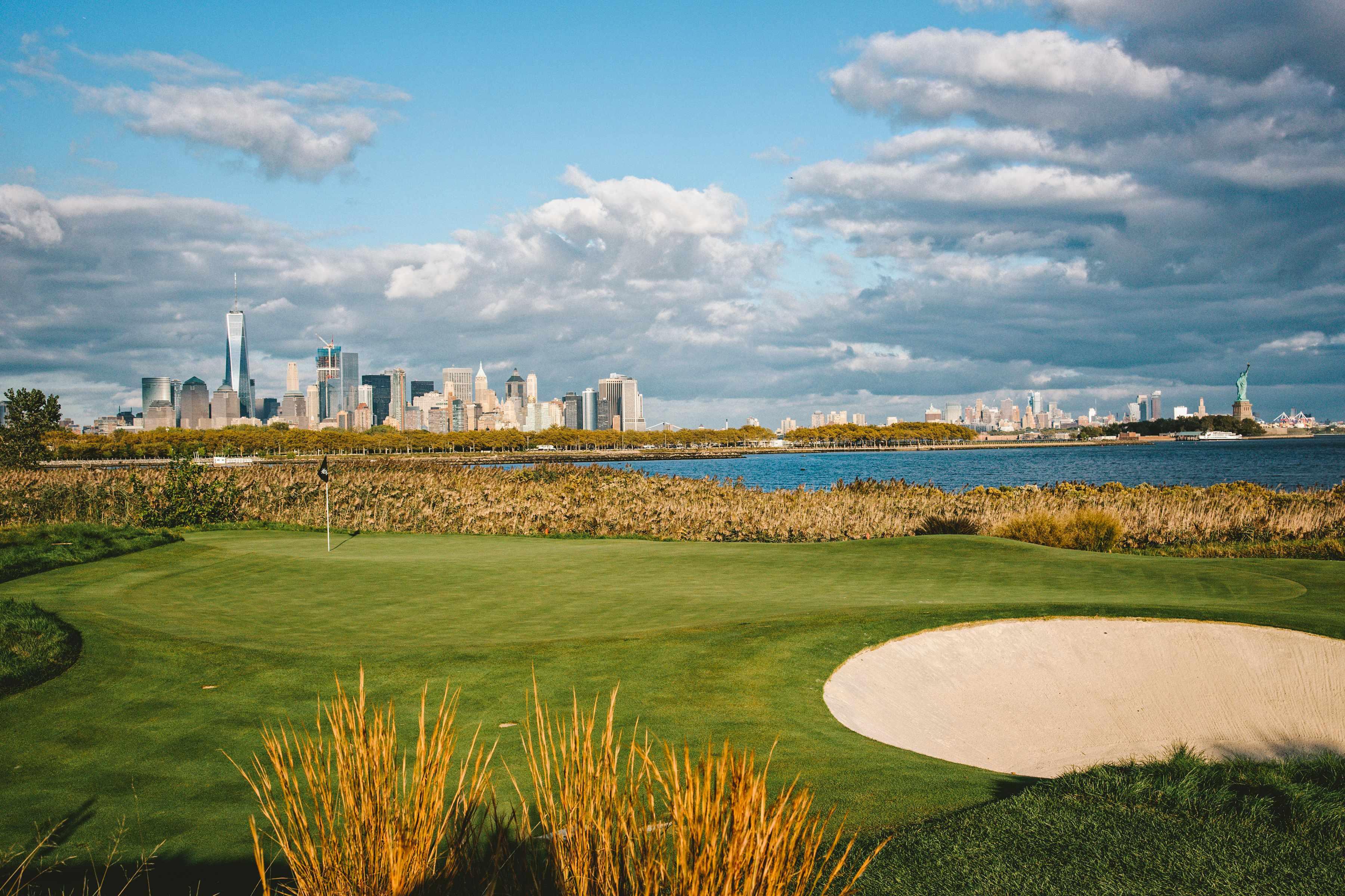 世界最高のゴルフコースでプレイするアダム・スコット
