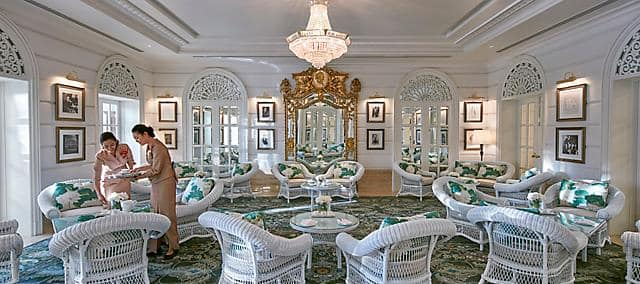 The Authors Lounge Tea Rooms On The Chao Phraya River