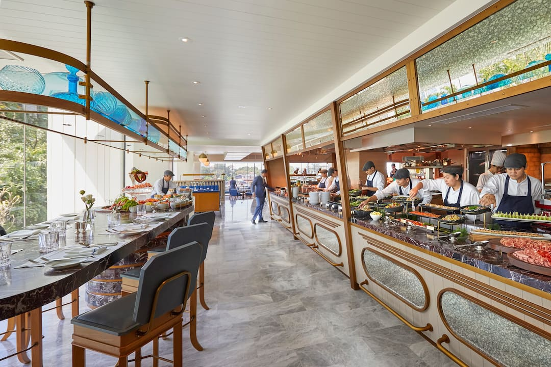 buffet offered in lord jim at mandarin oriental, bangkok