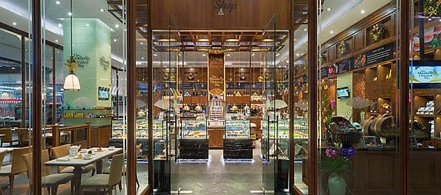 mandarin shop located in shopping mall in bangkok