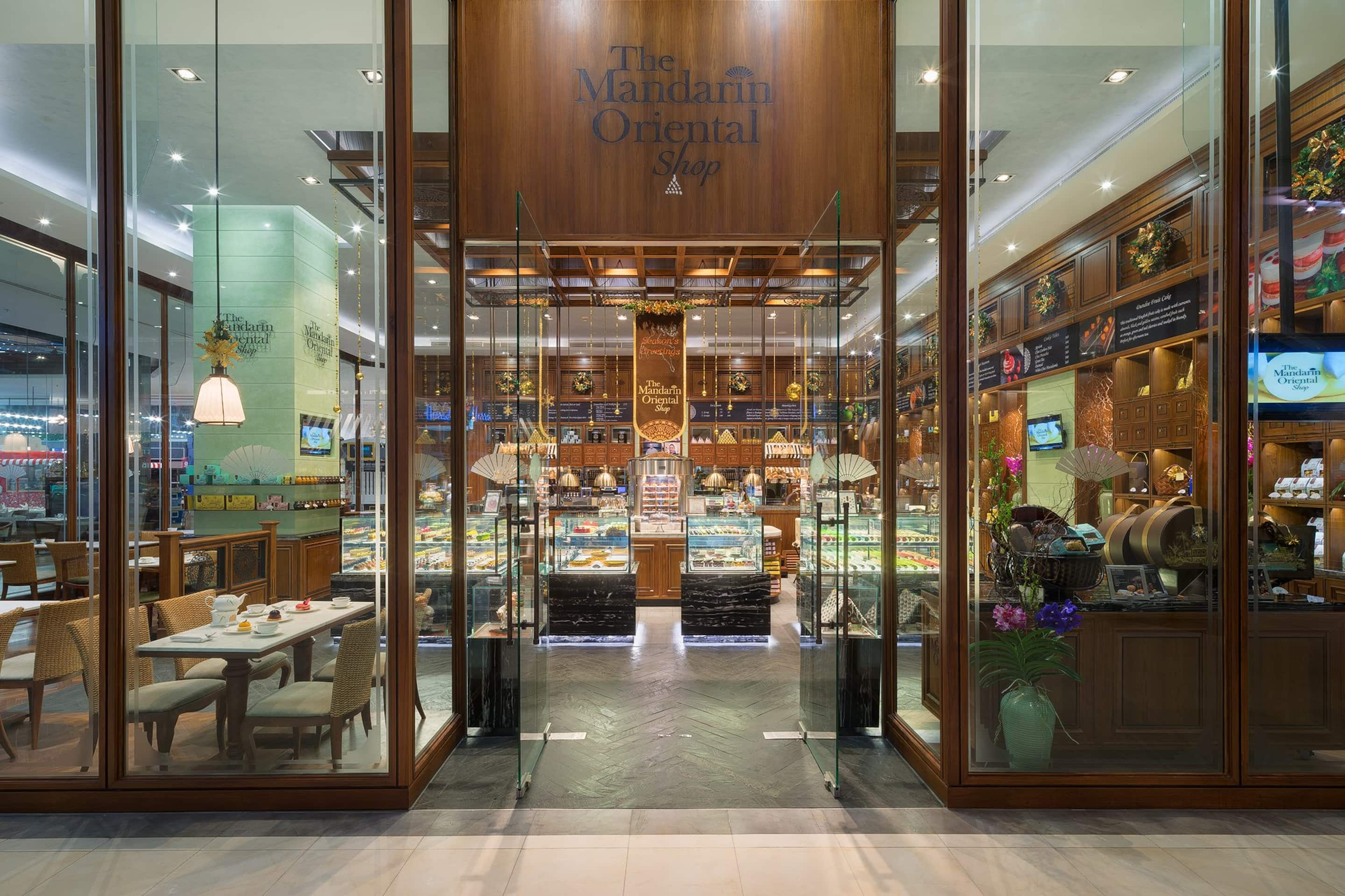 The Mandarin Oriental Shop Cake Shops On The Chao Phraya