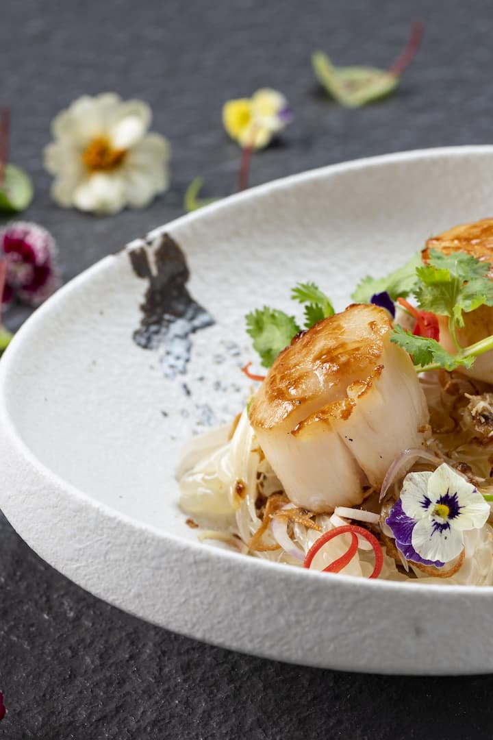 scallops with flowers decoration