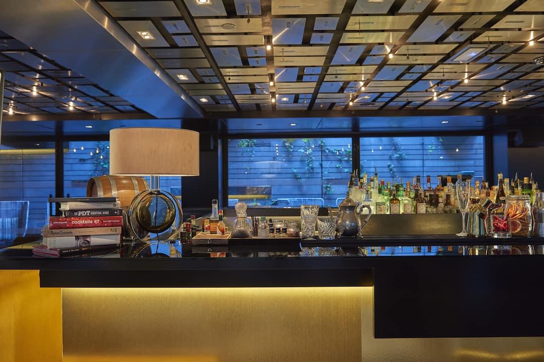 Bankers Bar Bars In Passeig De Gracia Mandarin