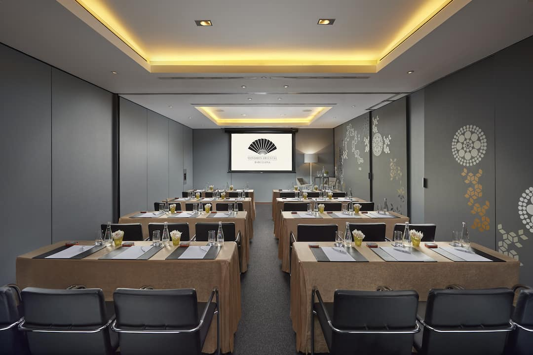 meeting venue in classroom style