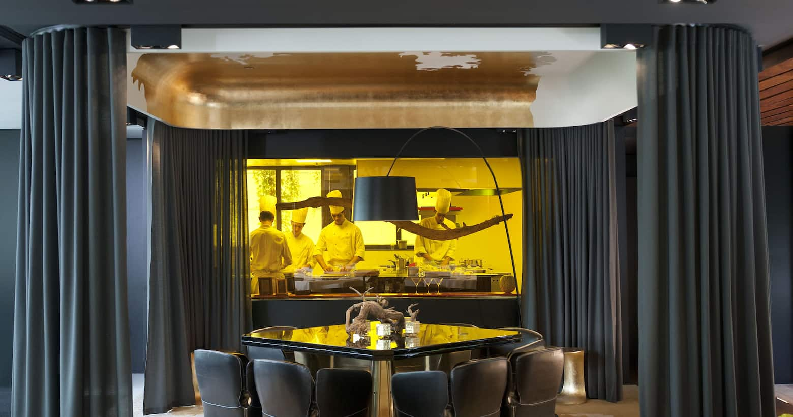 Los mejores restaurantes bares y salones mandarin for Restaurante cocina catalana barcelona