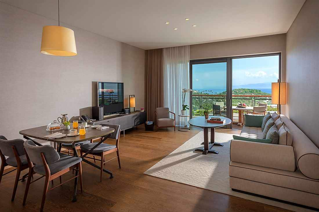 One Bedroom Sea View Apartment