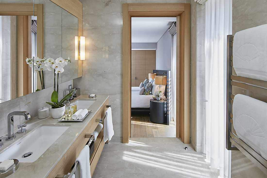 Two Bedroom Sea View Apartment bathroom