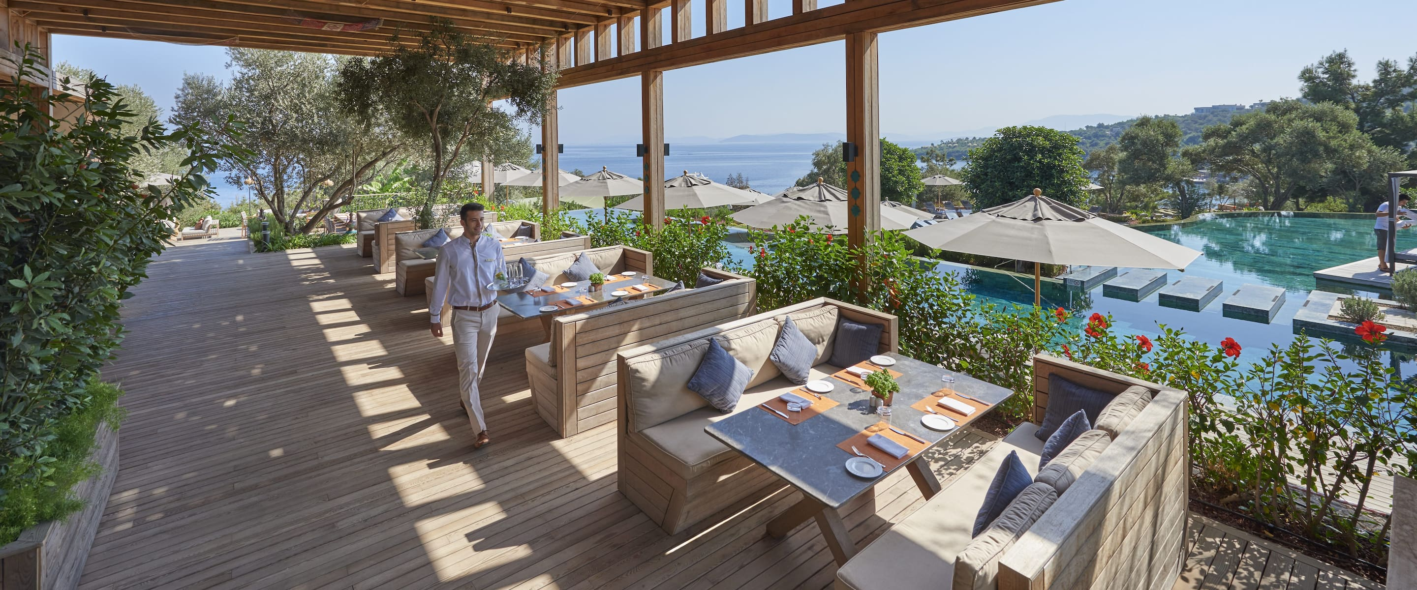 Pool Restaurant Amp Bar In Bodrum Mandarin Oriental Bodrum